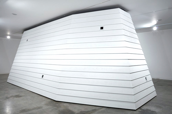 Essay about Monument, exhibition by New Zealand artist Brett Graham